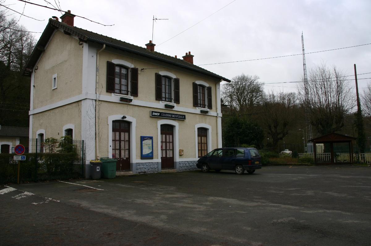 Gare du Coudray-Montceaux