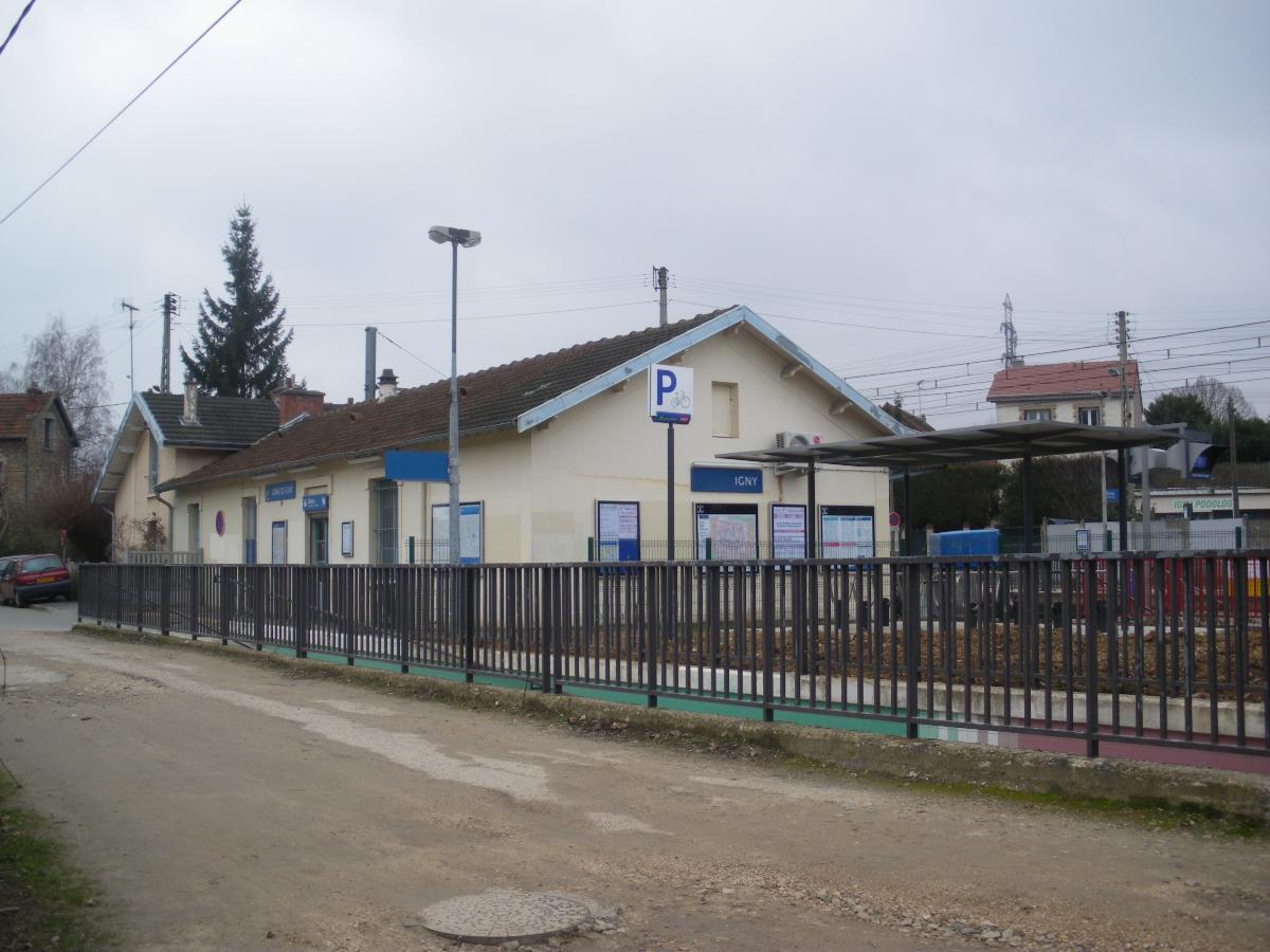 Igny Railway Station