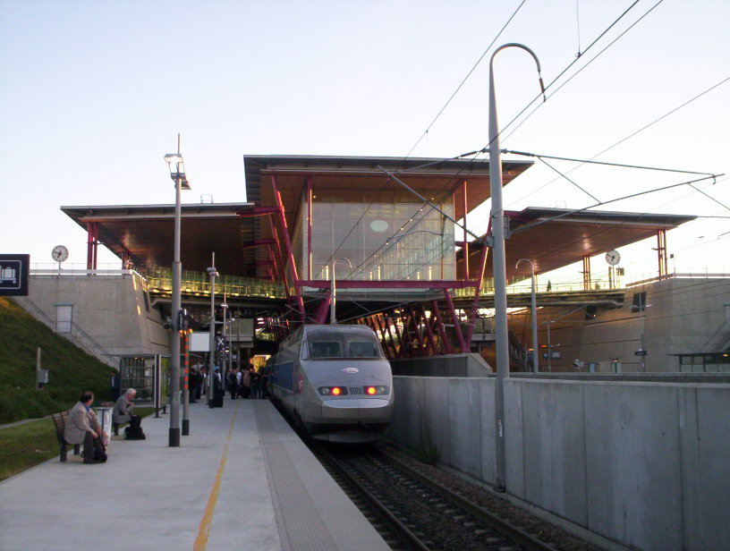 http://de.structurae.de/files/photos/wikipedia/Gare_de_Valence_TGV-1.jpg