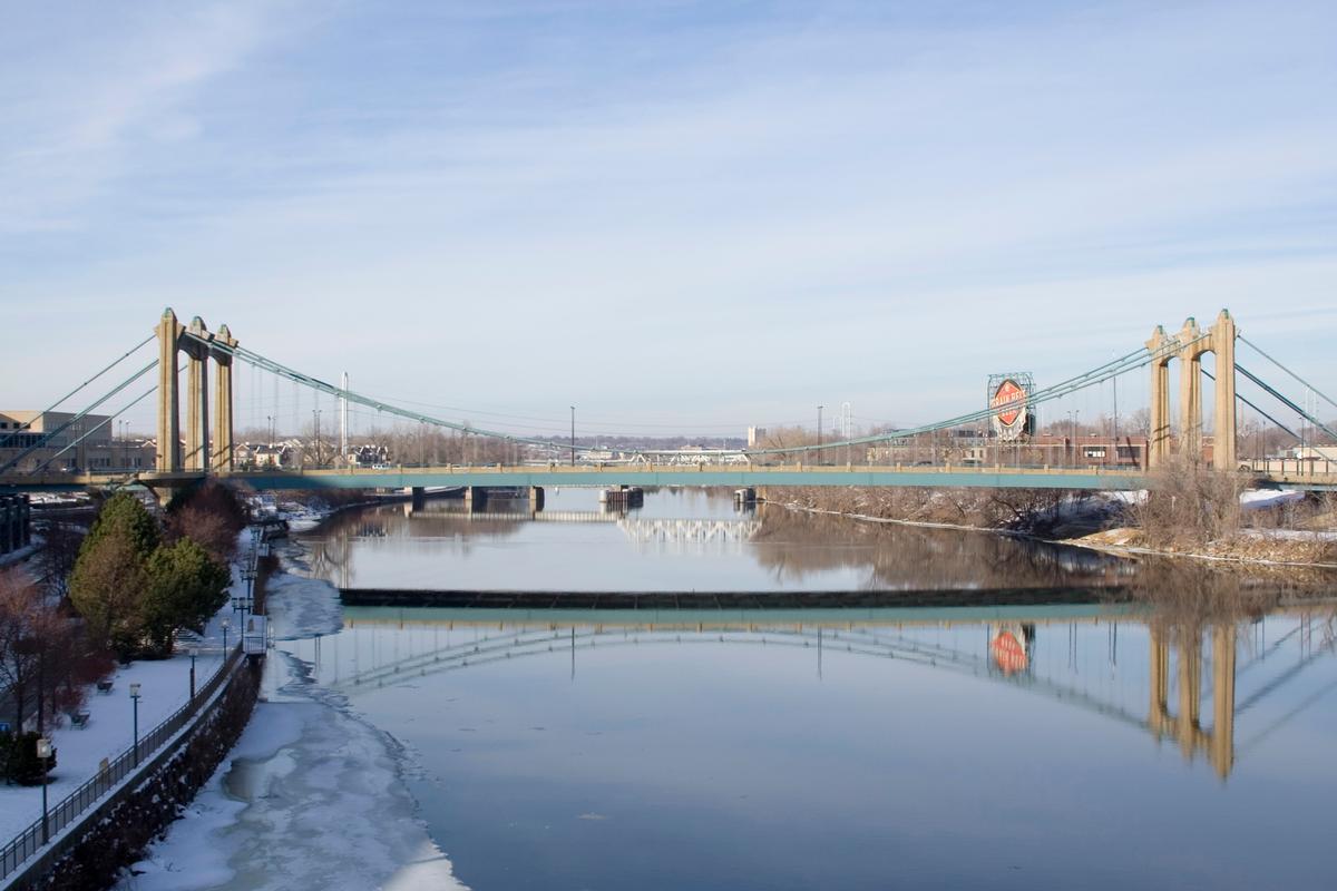 Father Louis Hennepin Bridge