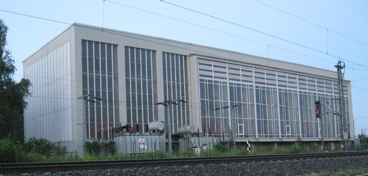 Maschinenhalle des Bahnstromumformerwerks Karlsruhe