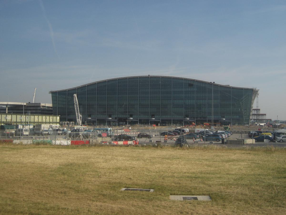 London Heathrow Airport – London Heathrow Terminal 5 Main Building