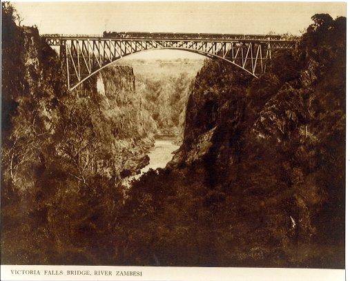 Zambezi Bridge bei den Victoria-Fällen